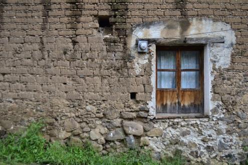 Mauer aus Lehmziegeln