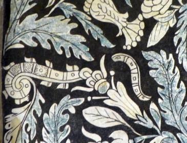 Glyphen für einen Schmetterling und Gesang/Poesie im Gewölbe -- die tanzende Seele des gefallenen Kriegers